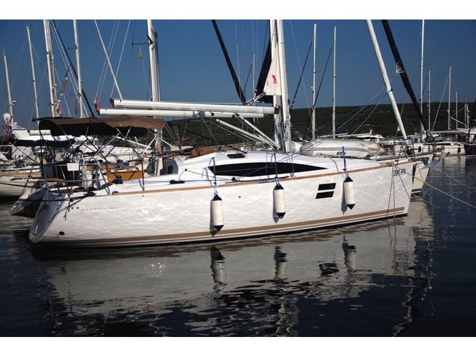 Enjoy luxury and comfort on this Elan Elan 35 Impression  in Punat, Krk