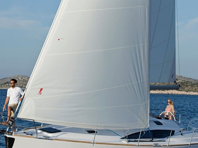 Beautiful Elan Elan 40 Impression - with AC ideal for sailing and fun in the sun!