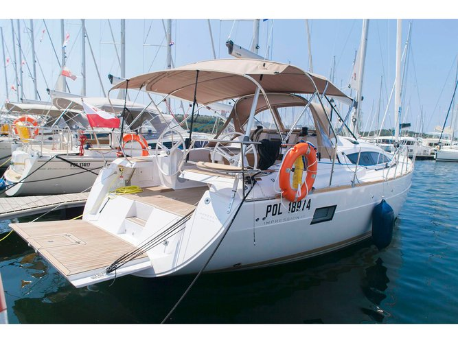 Hop aboard this amazing sailboat rental in Šibenik!