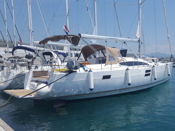 Beautiful Elan Elan 50 Impression ideal for sailing and fun in the sun!