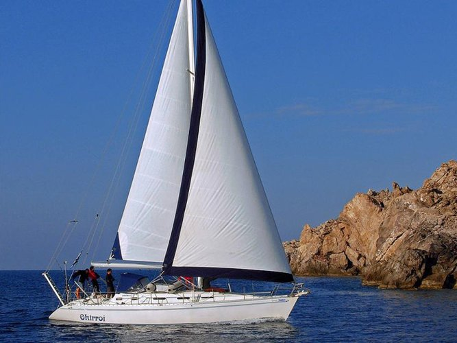 The perfect boat to enjoy everything Syros, GR has to offer