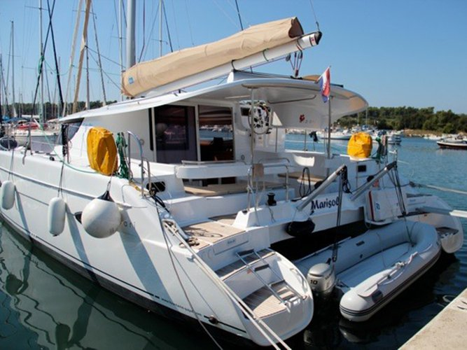 Enjoy luxury and comfort on this Fountaine Pajot Lipari 41 (4 dbl, 2sgl) in Kaštel Gomilica