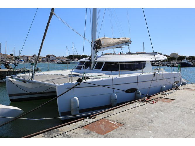 Enjoy luxury and comfort on this Fountaine Pajot Lipari 41 in Cogolin
