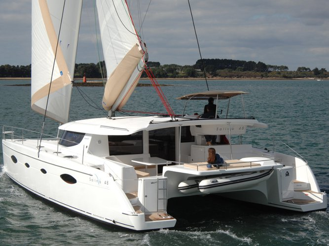 Jump aboard this beautiful Fountaine Pajot Salina 48