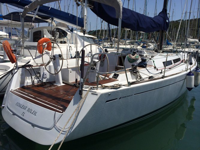 Beautiful Grand Soleil Grand Soleil 43 OT ideal for sailing and fun in the sun!
