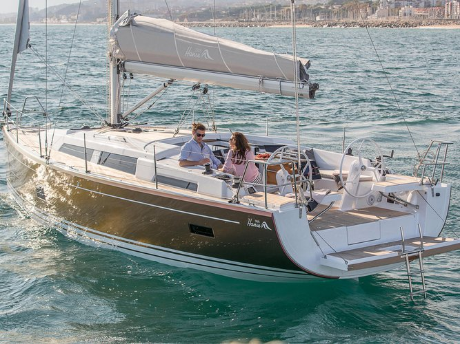 Charter this amazing Hanse Yachts Hanse 388 in Murcia, ES