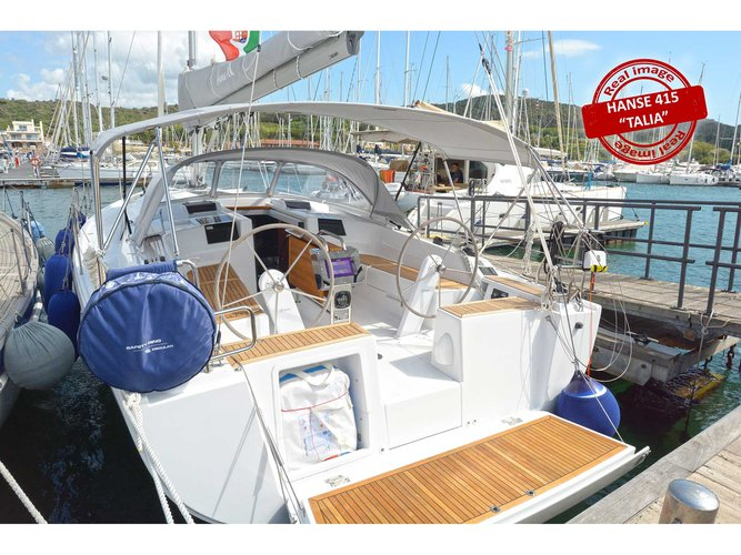 Sail the beautiful waters of Puntone - Follonica on this cozy Hanse Yachts Hanse 415