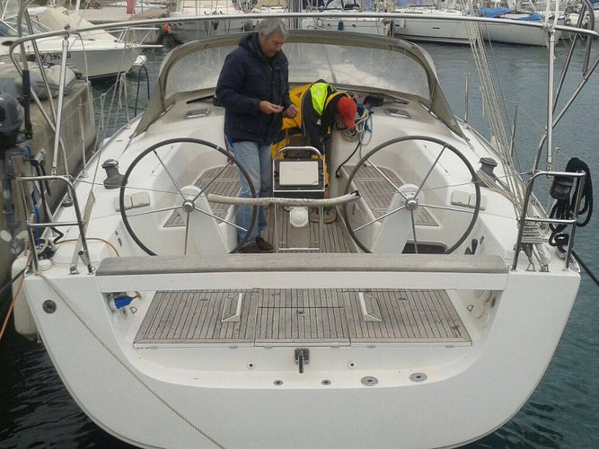 Take this Hanse Yachts Hanse 400 for a spin!