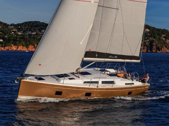 Get on the water and enjoy Göcek in style on our Hanse Yachts Hanse 418