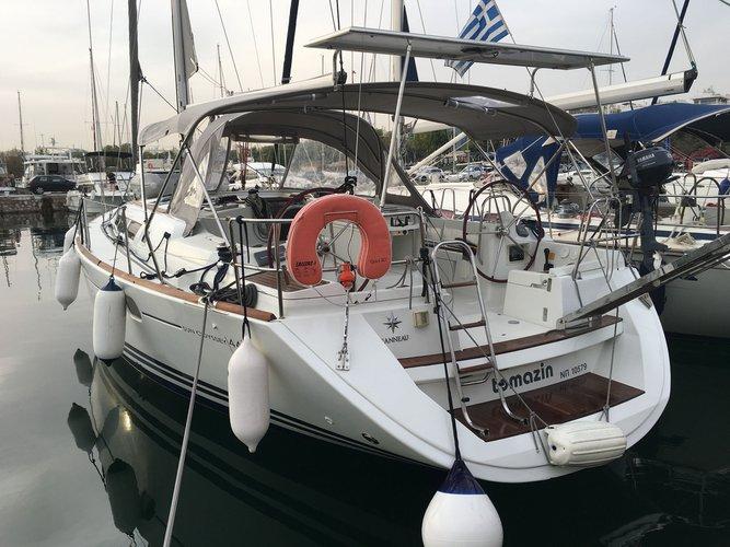 Experience Athens, GR on board this amazing Jeanneau Jeanneau - Sun Odyssey 44
