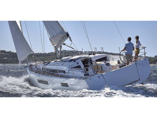 Beautiful Jeanneau Sun Odyssey 440 ideal for sailing and fun in the sun!