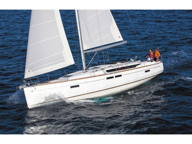 Relax on board our sailboat charter in Athens