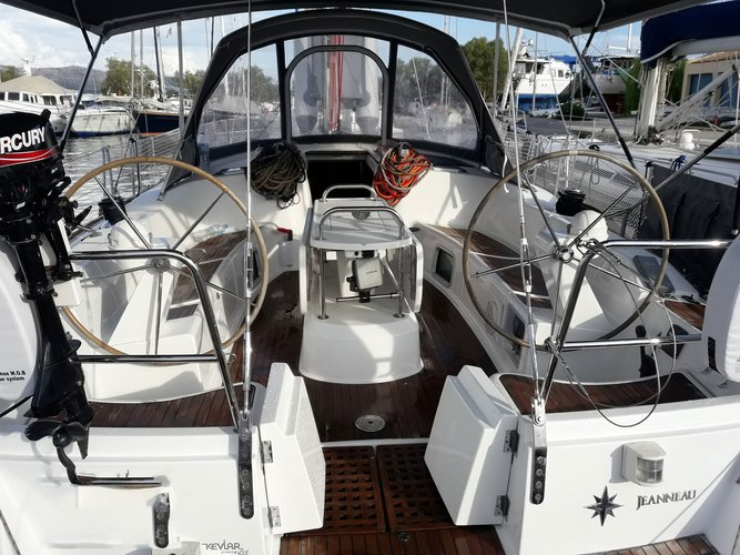 Take this Jeanneau Sun Odyssey 49 for a spin!