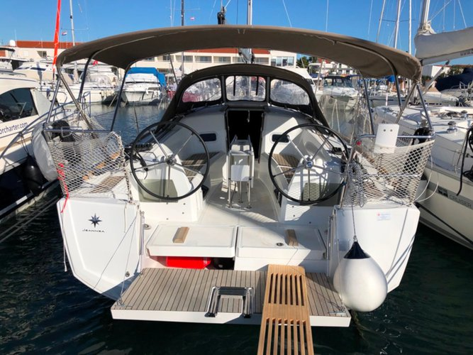 Unique experience on this beautiful Jeanneau Sun Odyssey 349
