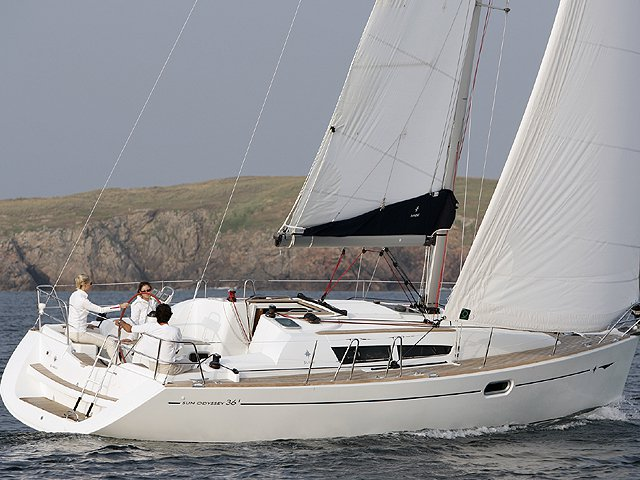 Sail Pozzuoli, IT waters on a beautiful Jeanneau Sun Odyssey 36i