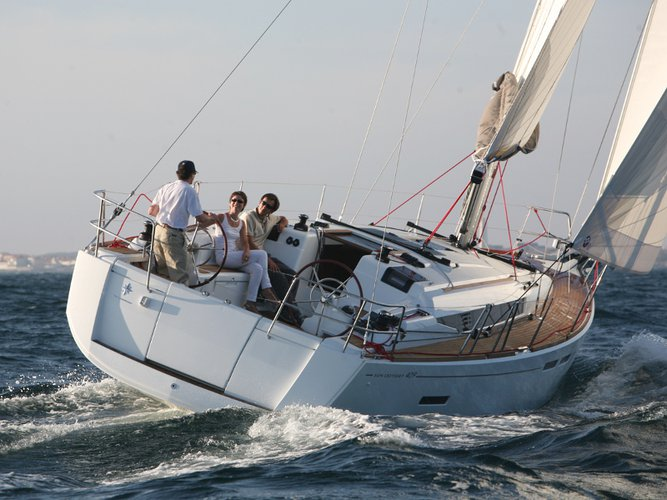 Jump aboard this beautiful Jeanneau Sun Odyssey 409