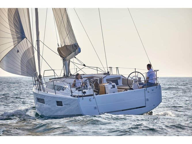 Get on the water and enjoy San Vincenzo in style on our Jeanneau Sun Odyssey 410