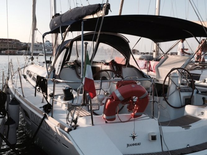 The best way to experience Alghero is by sailing
