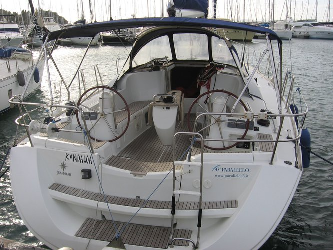 Hop aboard this amazing sailboat rental in Cannigione!