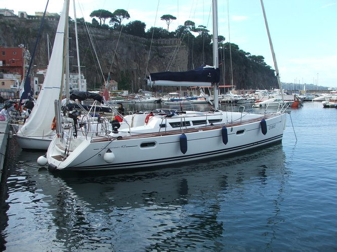 Enjoy luxury and comfort on this Jeanneau Sun Odyssey 42 i in Castellammare di Stabia