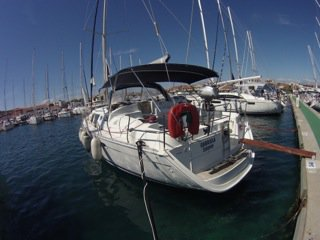 Unique experience on this beautiful Jeanneau Sun Odyssey 43DS