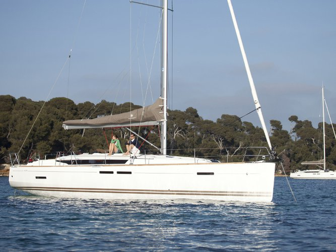 Enjoy luxury and comfort on this Jeanneau Sun Odyssey 439 in Marmaris