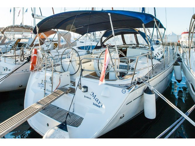 Beautiful Jeanneau Sun Odyssey 43  ideal for sailing and fun in the sun!