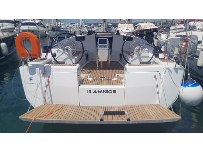 Beautiful Jeanneau Sun Odyssey 449 ideal for sailing and fun in the sun!