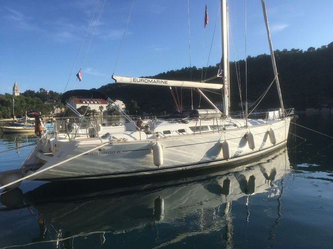 Enjoy luxury and comfort on this Dubrovnik sailboat charter