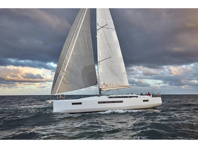 Jump aboard this beautiful Jeanneau Sun Odyssey 490