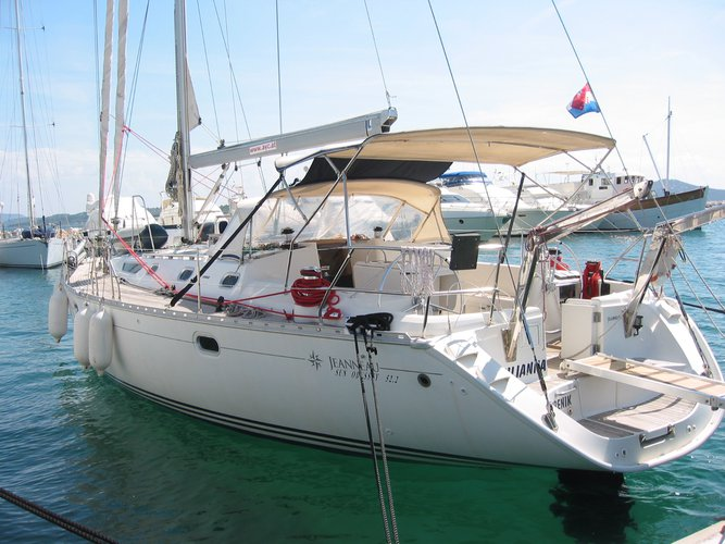 Charter this amazing Jeanneau Sun Odyssey 52.2 in Vodice, HR