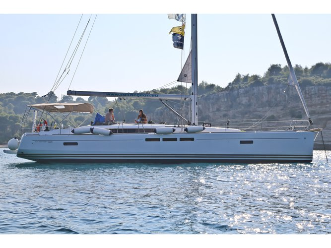 All you need to do is relax and have fun aboard the Jeanneau Sun Odyssey 509