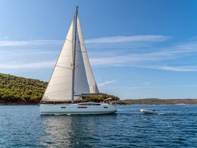 Climb aboard this Jeanneau Jeanneau 53 for an unforgettable experience