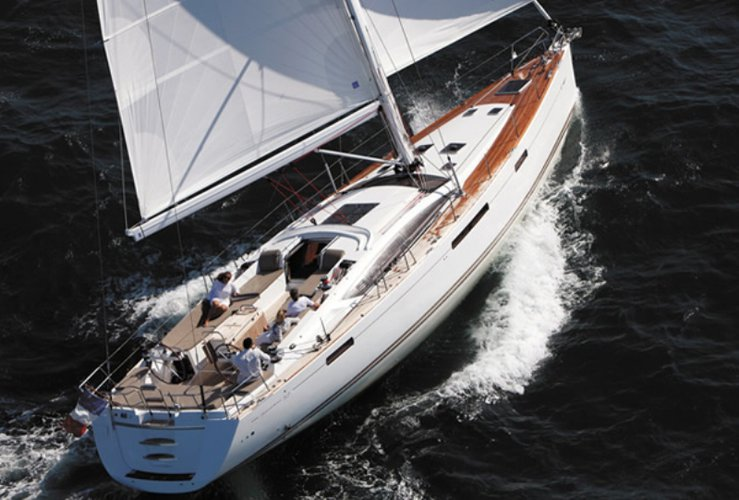 Enjoy Velas, PT to the fullest on our comfortable Jeanneau Jeanneau 57