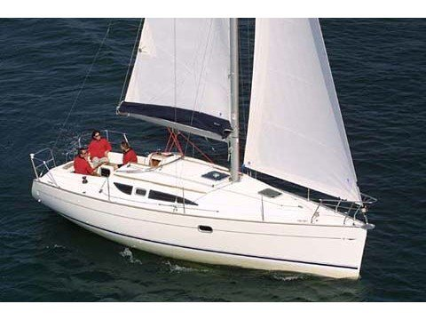 Sail the beautiful waters of Kortgene on this cozy Jeanneau Sun Odyssey 32