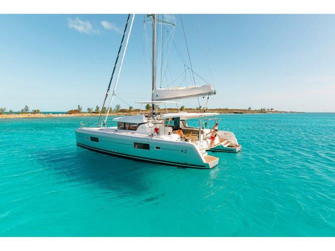 Charter this amazing Lagoon Lagoon 42 in Lefkada, GR