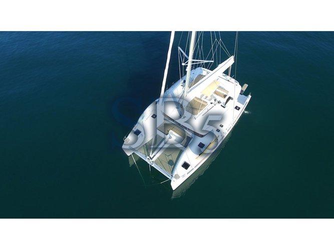 Jump aboard this beautiful Lagoon Lagoon 450 F
