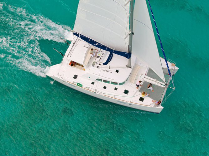 This sailboat charter is perfect to enjoy Golfo Aranci