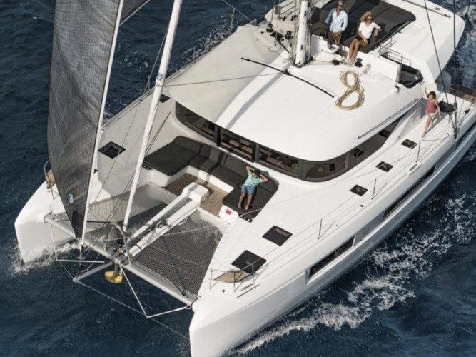 Climb aboard this Lagoon Lagoon 50 for an unforgettable experience