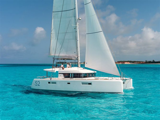 Unique experience on this beautiful Lagoon Lagoon 52 - 6 cabin verison