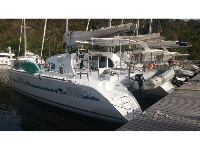 Charter this amazing Lagoon Lagoon 380 S2  in Martinique, MQ