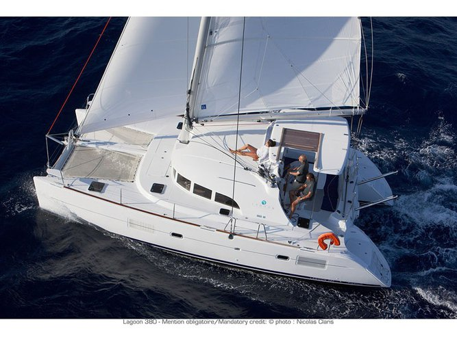 Experience Martinique, MQ on board this amazing Lagoon Lagoon 380 PREMIUM