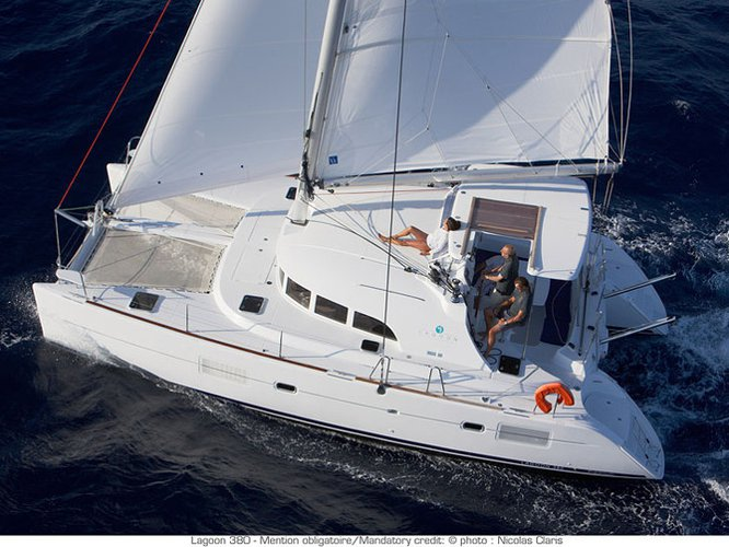 Discover Martinique in style boating on this sailboat rental