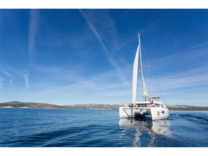 The perfect boat to enjoy everything Trogir, HR has to offer