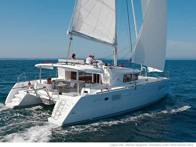 Sail the beautiful waters of Martinique on this cozy Lagoon Lagoon 450