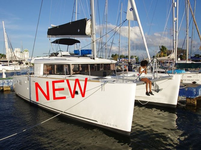 Climb aboard this Lagoon Lagoon 450  Flybridge for an unforgettable experience
