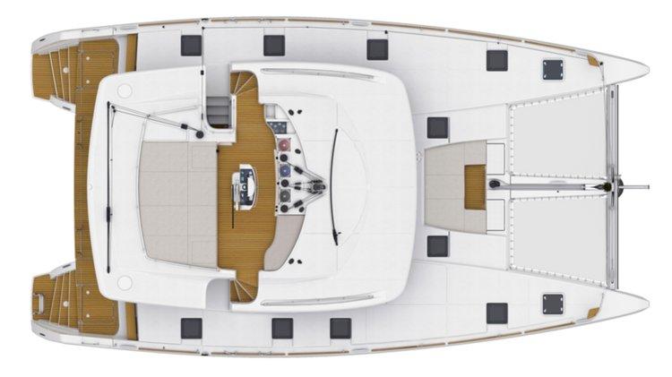 Discover Raiatea surroundings on this 52 Lagoon boat