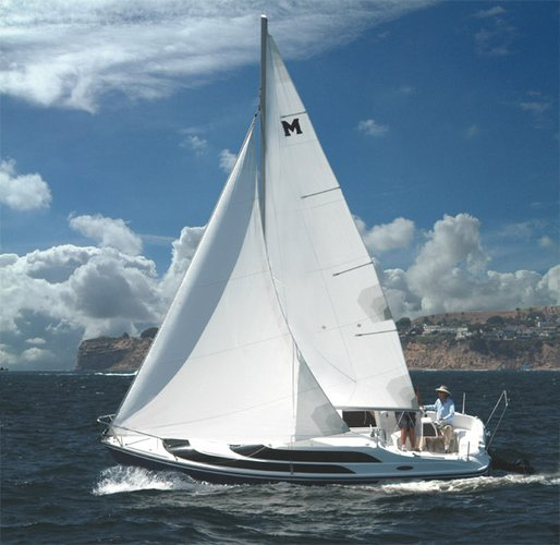 Enjoy luxury and comfort on this Mumbai sail boat rental
