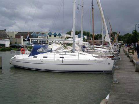 Sail the beautiful waters of Yerseke on this cozy Poncin Yachts Harmony 34