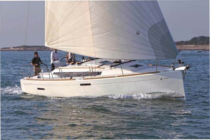 Climb this 37 ft Monohull in Lake Champlain, North America